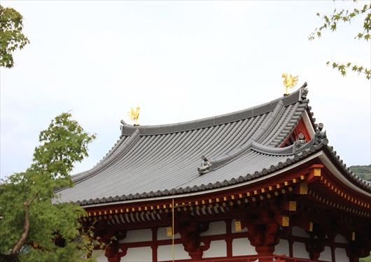 平等院鳳凰堂の屋根の鳳凰像