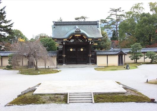 大覚寺の勅使門