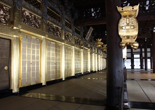 西本願寺御影堂の立派な装飾