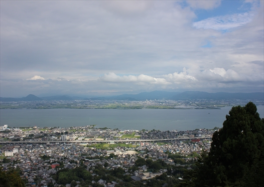 日吉大社奥宮から見える琵琶湖