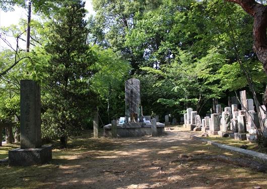 会津藩士墓地