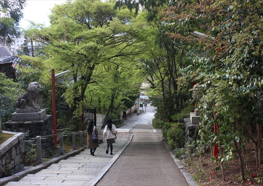 粟田神社階段