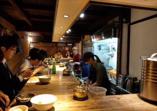 和醸良麺すがり店内