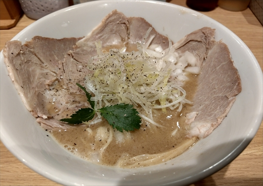 キラメキノ青空鶏白湯ラーメン