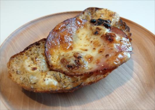 ファイブランのハム&チーズパン