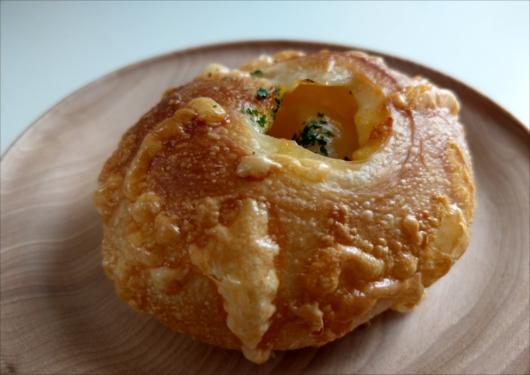 フルールドファリーヌじゃがバターパン