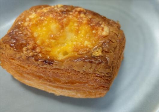 フルールドファリーヌチーズパン