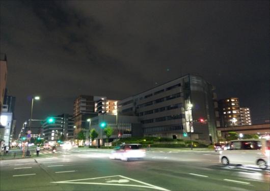 夜の二条交差点