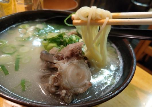 京都中京ホルモン丸テールスープラーメン