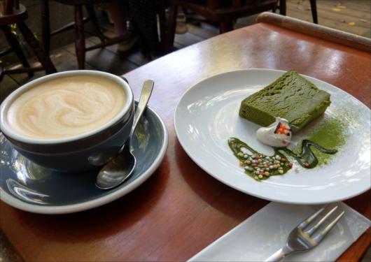 vermillioncafeカフェラテ&抹茶ケーキ