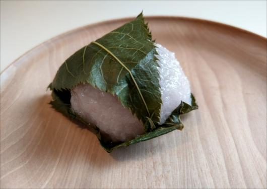 七条甘春堂桜餅
