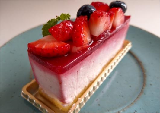 メゾンドフルージュ苺のチーズケーキ