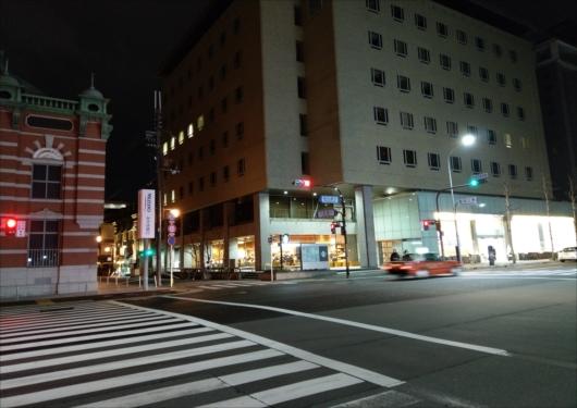スタバ京都三条烏丸ビル店外観
