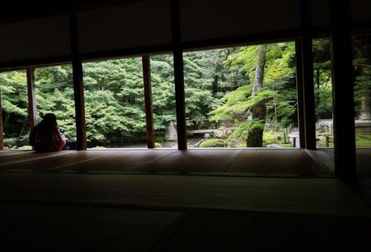 蓮華寺の額縁庭園