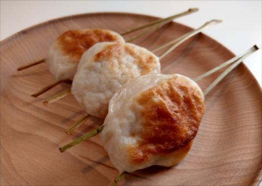 いづ萬東山魚餅