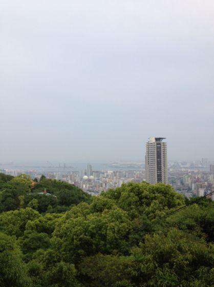 布引の滝辺りからの神戸市内景色
