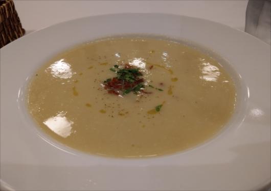 オステリアバスティーユランチスープ